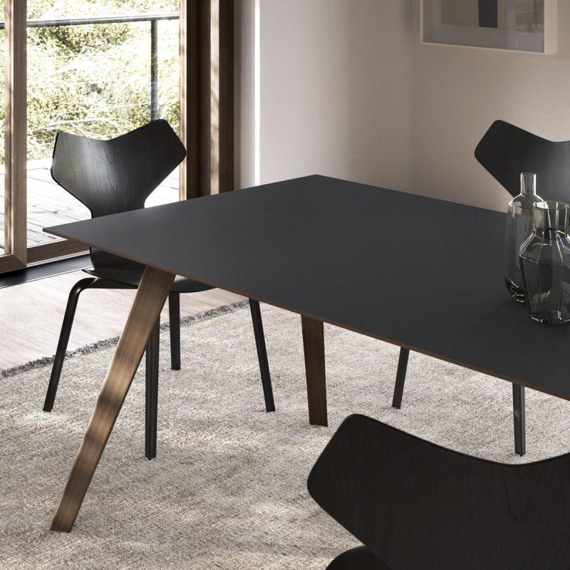 Treku-Aise-Table-03
